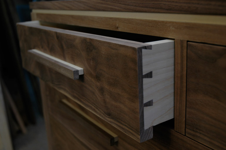 Walnut chest of drawers - detail