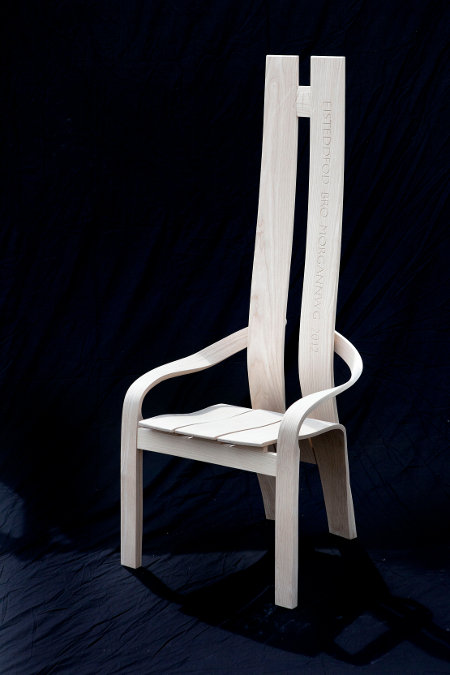 gwe_051229Chair_ntreharne001
