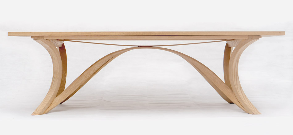 FLOW | dining table